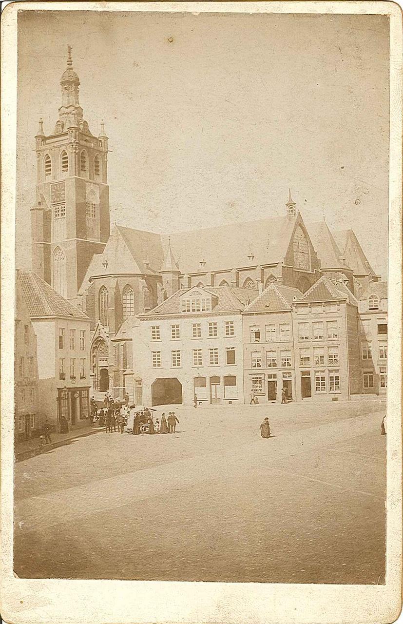 Serie foto's van de kathedraalbrand in 1892