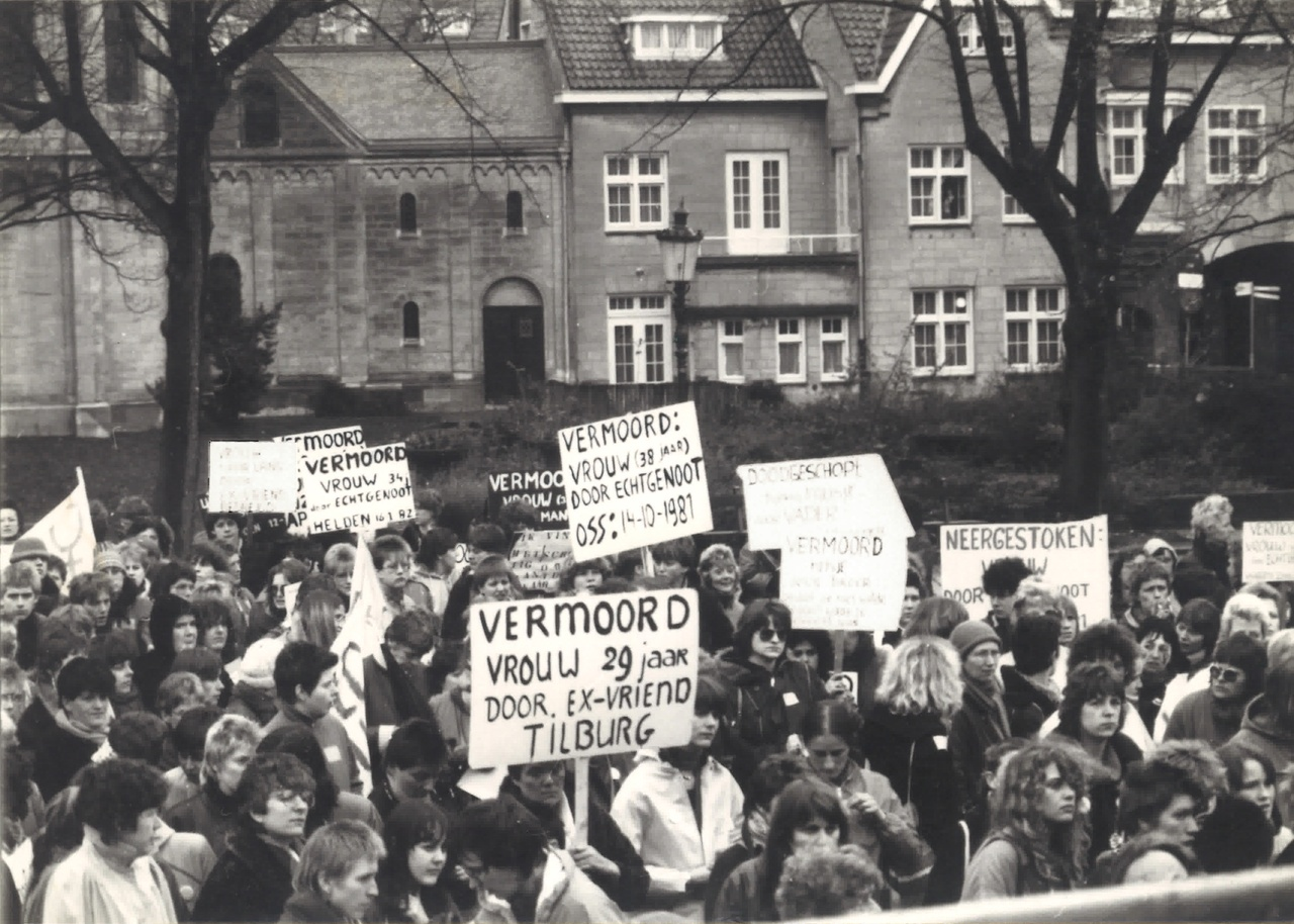 Demonstratie Munsterplein 1982.jpg